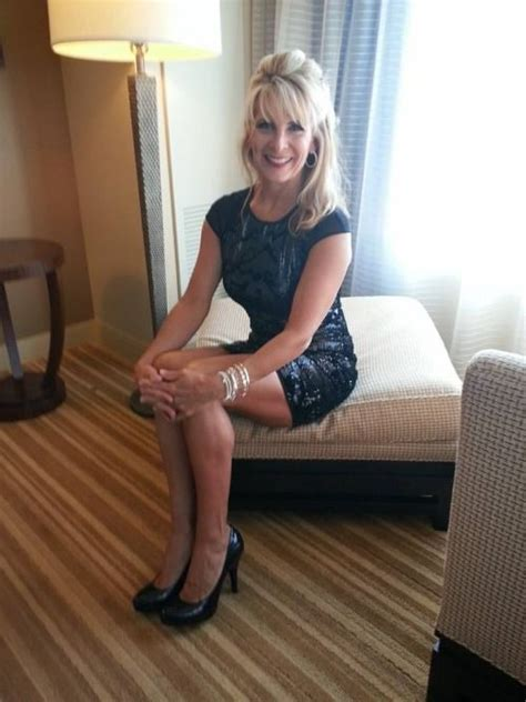 A Really Hot Milf In A Sexy Dress Sexy Ltere Frauen
