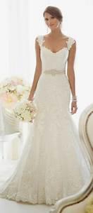 dentelle blanche pour robe de mariee With robe de mariée hiver avec bijoux bapteme pas cher