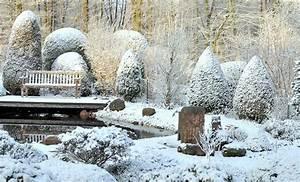 Bäume Beschneiden Jahreszeit : 8 tipps f r den garten im winter gartana ~ Yasmunasinghe.com Haus und Dekorationen