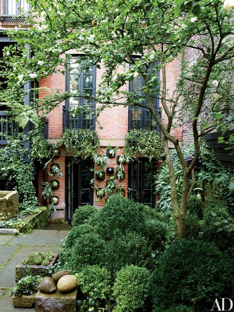 gardens  julianne moores house   york
