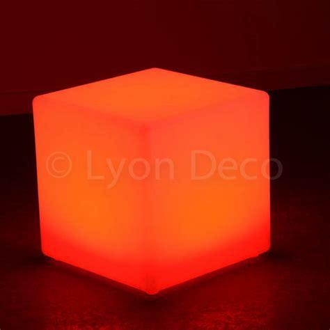 cube lumineux 40 cm location cube lumineux 40cm 6 couleurs led sur batterie