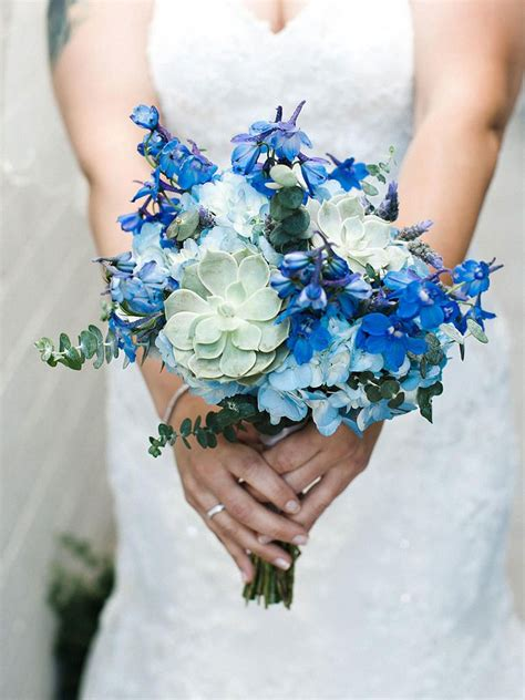 blue wedding flowers   gorgeous blue