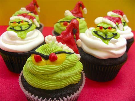 sugar swings serve  grinch cupcakes