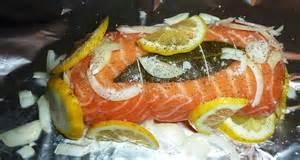 comment cuisiner le saumon roti de saumon farci aux noix de jacques princessedo