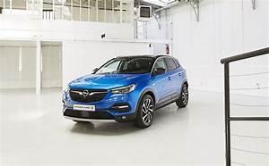Suv Opel Grandland : suv opel grandland x rencontre avec son designer l 39 automobile magazine ~ Medecine-chirurgie-esthetiques.com Avis de Voitures