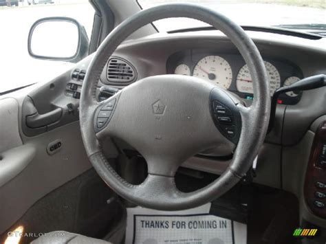 airbag deployment 2000 chrysler town country instrument cluster 2000 chrysler town country limited mist gray steering wheel photo 46826130 gtcarlot com