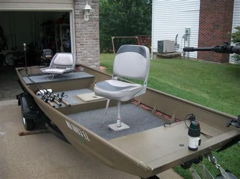 Diy Fishing Boat Deck by Best 25 Jon Boat Ideas On Pinterest Aluminum Jon Boats
