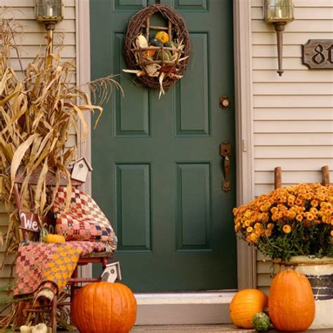 pretty autumn porch decor ideas digsdigs