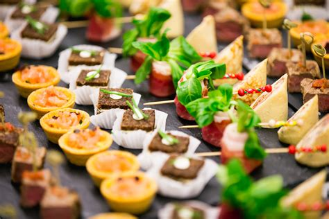 ideen fuer fingerfood kalt serviert deko feiern