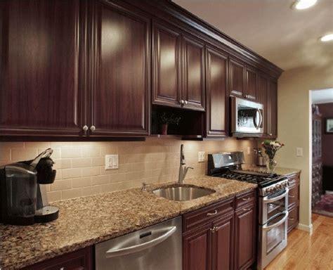 Kitchen Backsplash Dark Cabinets Great Kitchen Backsplash