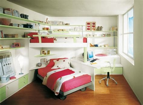small kids bedroom  bunk bed  red bed color corner