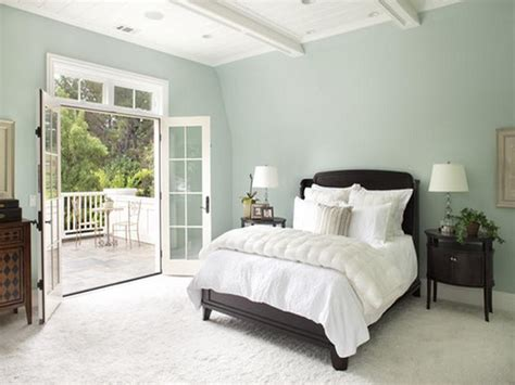 paint colors for bedrooms with dark wood trim home