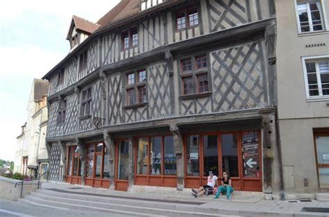 la maison du saumon tourisme chartres
