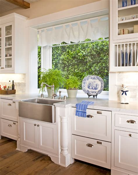 Santa Barbara Dutch Colonial  Traditional  Kitchen  Los. Discount Kitchen Cabinets Los Angeles. What Is The Best Kitchen Knife Set. Kitchen Cabinets Memphis Tn. Espresso Play Kitchen. Paint For Kitchens. Kitchen Item. 36 Kitchen Table. Outdoor Kitchen Ideas Designs