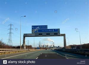 M62 Motorway In West Yorkshire Overhead Road Signs Stock