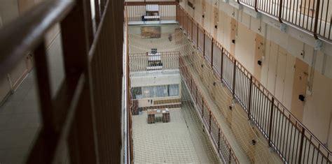 maison d arrt villeneuve les maguelone violences sur des enfants en prison le cri d alarme