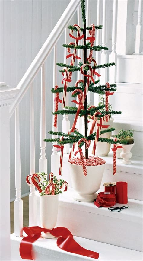 Best Way To Decorate A Tree - 21 best ways to decorate your stairs in this