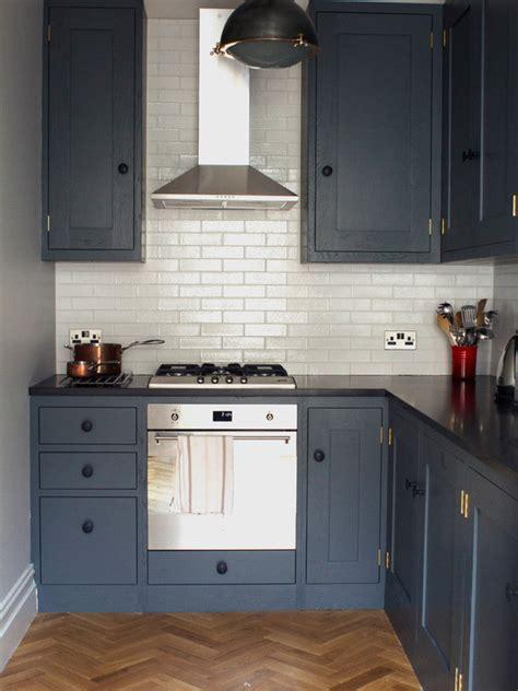 small kitchen with island design 170 fotos e ideias de cozinha planejada pequena