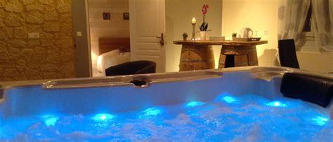 chalet la vigogne et spa location vacances chalet en dordogne p 233 rigord avec spa