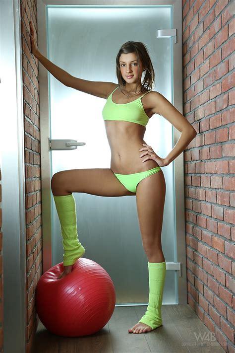 Wygimnastykowana Laseczka Blondyny Mae Cyce Nastolaty Porno Fotki