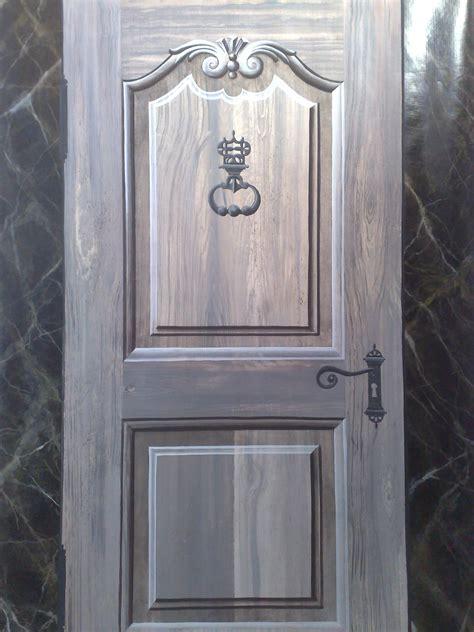 peinture en trompe l oeil d une porte