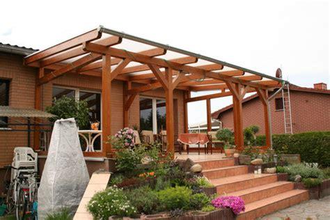 Blockhaus Einfache Und Stabile Konstruktion by Individuelle Terrassen 252 Berdachung Aus Holz Vom Holzbau