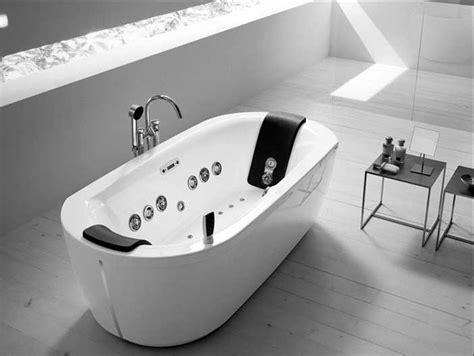 freistehende whirlpool badewanne 2 personen mit oval form