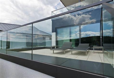 dessus de bureau en verre garde corps et escaliers en verre de qualité metz moselle