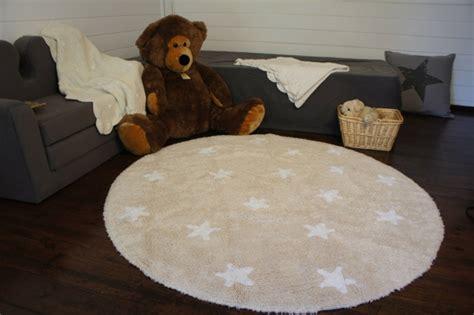tapis rond chambre enfant osez le tapis rond pour un int 233 rieur tr 232 s 224 la mode