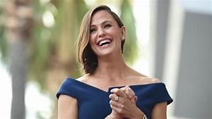 Jennifer Garner, sfila sulla Walk of Fame con un abito di ...