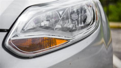 How Much Does It Cost To Replace Car Headlights?