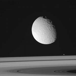Cassini's Latest View Of Enceladus And The Rings Of Saturn ...
