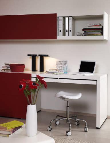 Regale Für Kleine Räume praktische m 246 bel f 252 r kleine r 228 ume regal mit schreibtisch