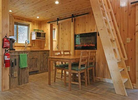 hocking hills treehouse cabins hocking hills cottages cabins