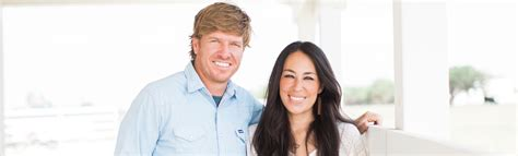 chip  joanna gaines  fixer upper  story magnolia