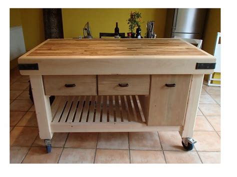 movable island kitchen best 25 moveable kitchen island ideas on kitchen island rolling island and small
