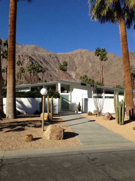 A Mid Century Desert Oasis In Palm Springs by Would To Shoot Here One Day Palm Springs Places