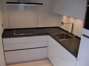 Granitplatten kuche dockarmcom for Granitplatten küche