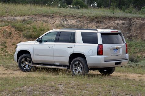 chevrolet tahoe  review  drive gm authority