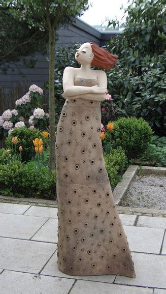 keramik kunst für den garten garten kunst milva margit hohenberger keramik kunst