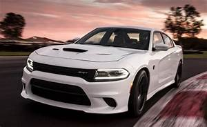 2015 Dodge Charger SRT Hellcat: Reining in 707 Horses