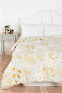 Plum & Bow Sketch Floral Duvet Cover - Urban Outfitters