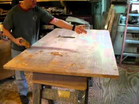 Handplaning A Table Top With Timothy Clark Cabinetmaker