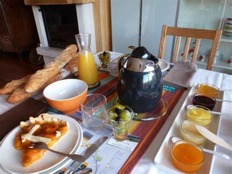 chambre bretonne petit déjeuner