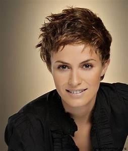 Coupe De Cheveux Femme Courte : modele de coupe de cheveux tres courte pour femme ~ Melissatoandfro.com Idées de Décoration