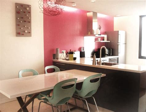 peinture salon cuisine ouverte comment séparer le coin cuisine du coin salon grâce à la