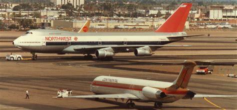 Continental MD-80 / Northwest 747-200