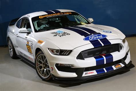 Ford Shelby Mustang Gt350rc Makes Its Racing Debut