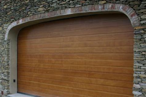 basculante sezionale modello galileo portone sezionale con pannelli in legno