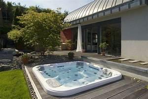 Whirlpool im garten 100 fantastische modelle archzinenet for Whirlpool garten mit sanierung von balkonen